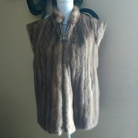 8fdde1719b Vintage Fine Furs Haeker Furriers Jackets & Coats | Vest Size L ...